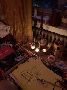 Teelichter, Kerzen, Arbeitszimmer