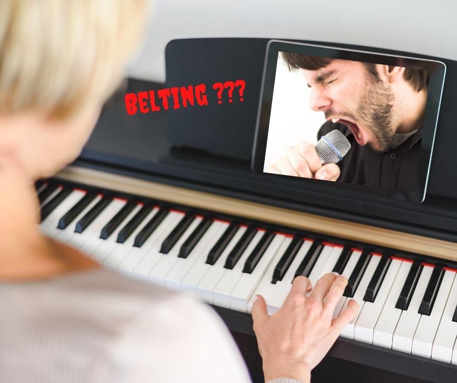 Klavier, schreiender Sänger